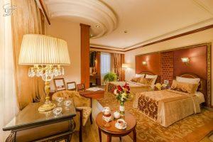 هتل قصر طلایی قوی سیاه