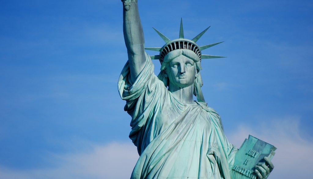 مجسمه آزادی قوی سیاه